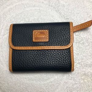 Dooney and Bourke pebble grain wallet (small)
